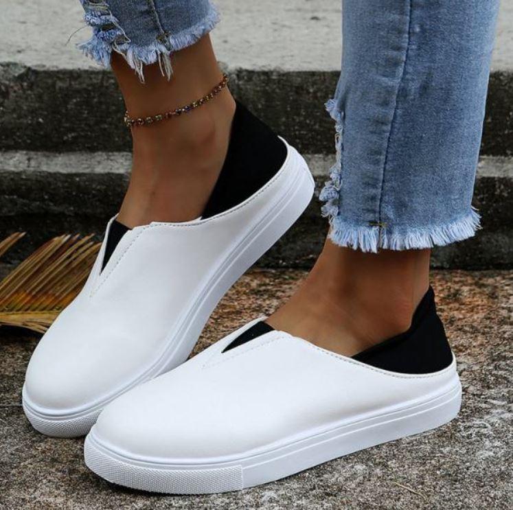 flatshoeswoman